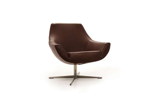 Pod - Lounge Chair / Désirée