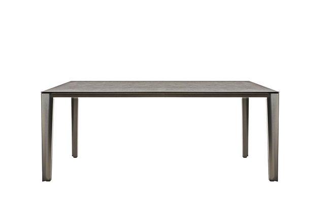 Skin - Dining Table / Desalto
