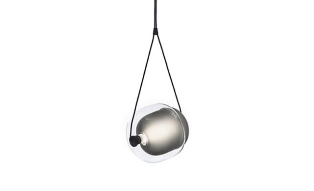 Capsula - Pendant Light / Brokis Lighting
