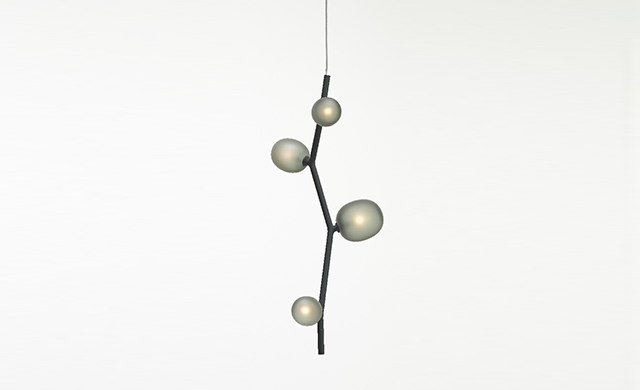 Ivy Vertical - Pendant Light / Brokis Lighting